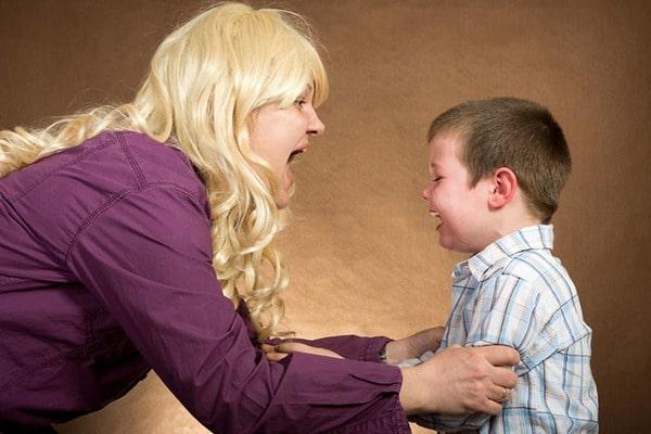 ребенок обзывает взрослых без причины Мнения различных